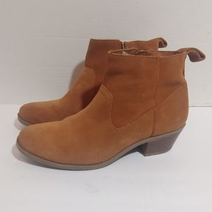 Vionic suede leather ankle boots